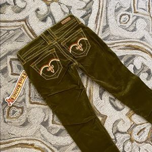 🤩Rock revival green Corduroy pants NWT awesome🤩